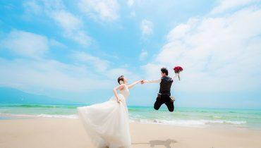 Ý tưởng chụp ảnh cưới ở biển, trang phục mặc gì, cách tạo dáng đẹp